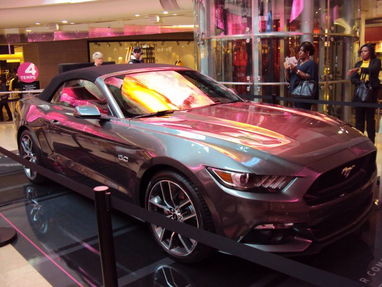ford-mustang-2014-la-defense
