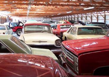 plusieurs-voitures-anciennes