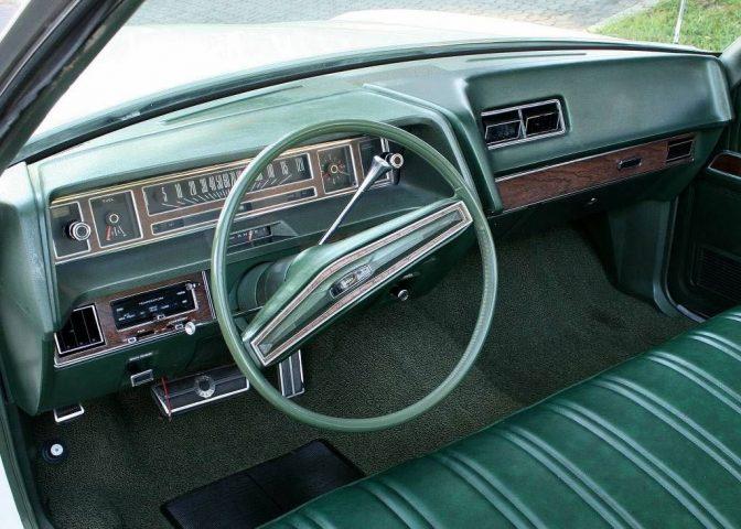 interieur-ford-ltd-1971
